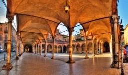 http://www.olaszorszaginyaralas.com/files/image/bologna222.jpg