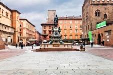 http://www.olaszorszaginyaralas.com/files/image/bolognafoterolaszorszaginyaralas_com.jpg